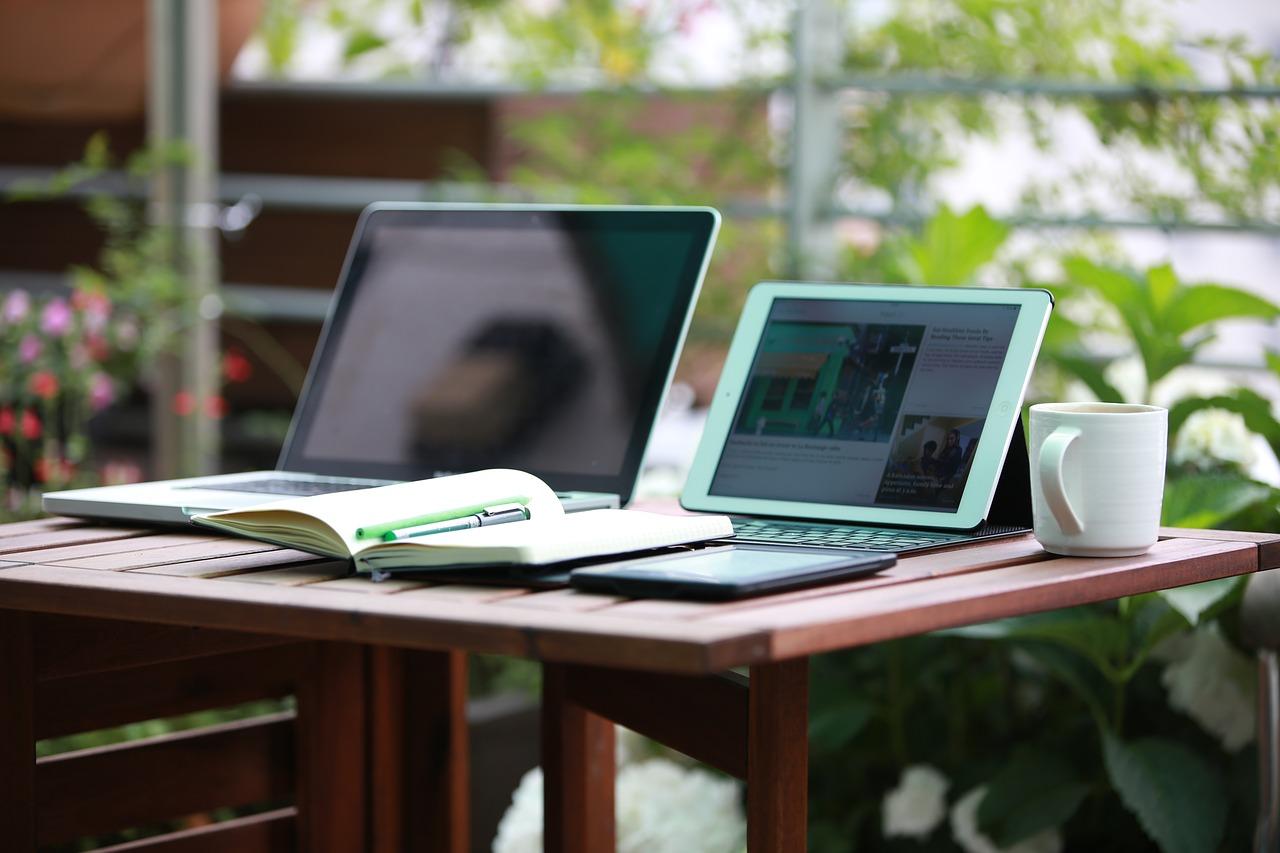 ブログ運営6か月目のアクセス数やらPVやら収益やら収支の報告